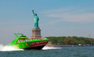 סירות מהירות לפסל החירות - לא זול, אבל שווה לילדים