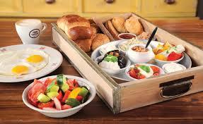 ארוחת בוקר כייפית גם לגדולים